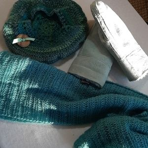 Suede mittens hat and scarf
